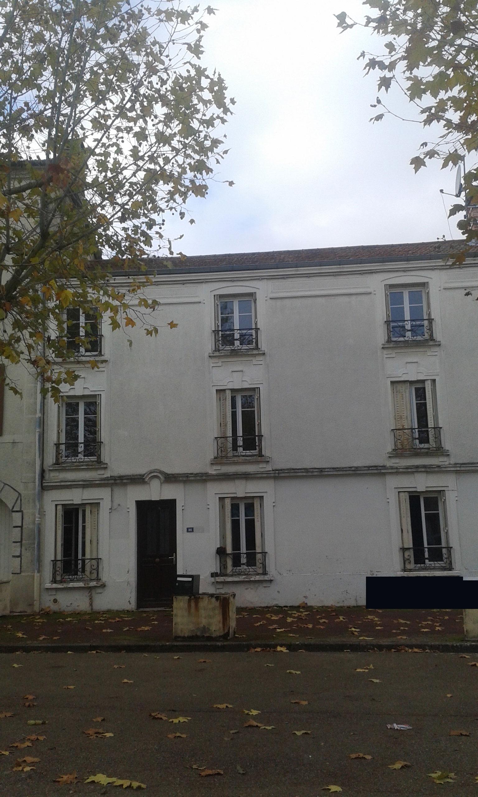 Maison de bourg excellent maison de bourg with maison de for Garage paris normandie flers