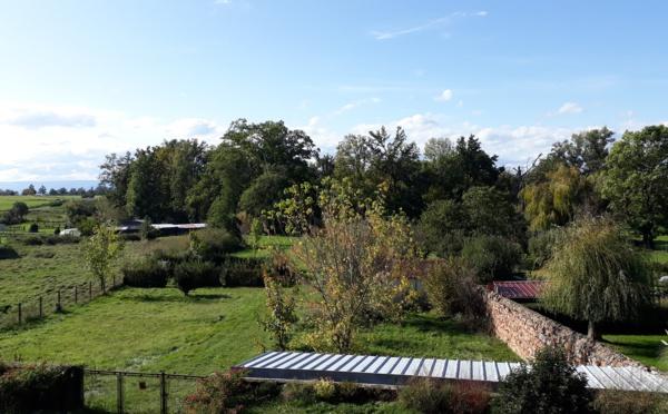 11373/ GRANDE MAISON DE VILLAGE EN PIERRE AVEC TERRAIN CONSTRUCTIBLE